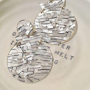 Geometric Stud Dangling Striped Earrings